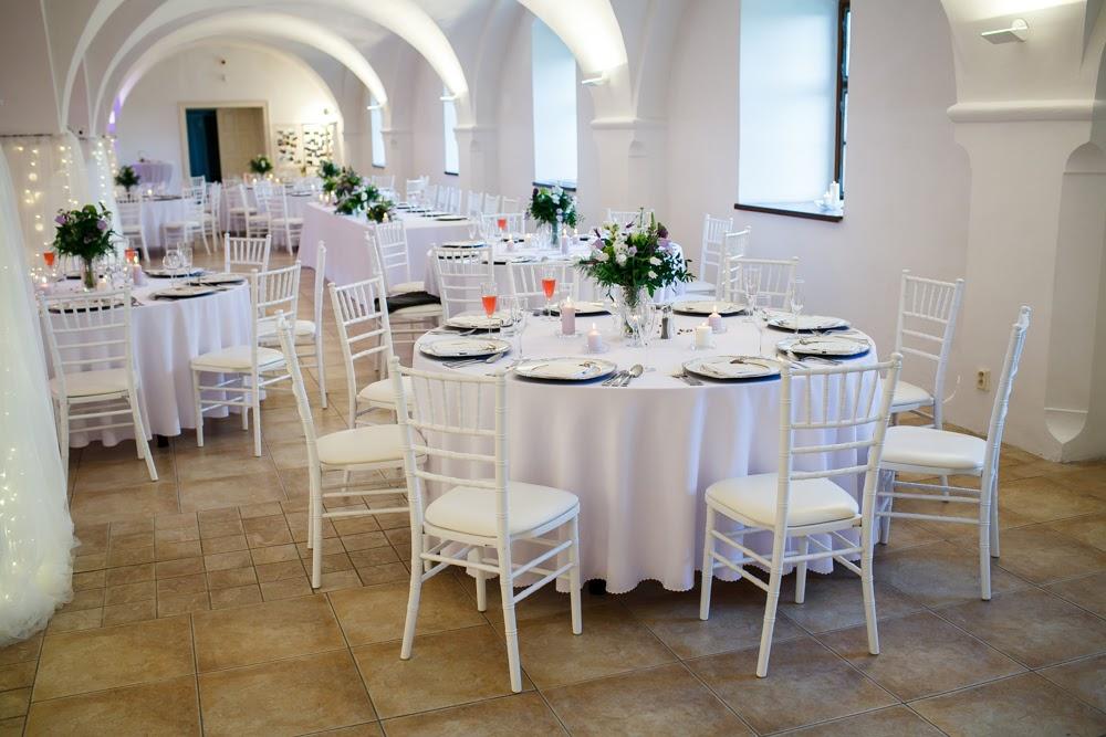 Chiavari stoličky biele s koženkovým podsedákom - Obrázok č. 1