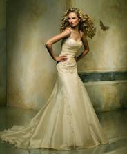 the dress - momentalni rozhodovani je mezi Pronovias Oleaje...