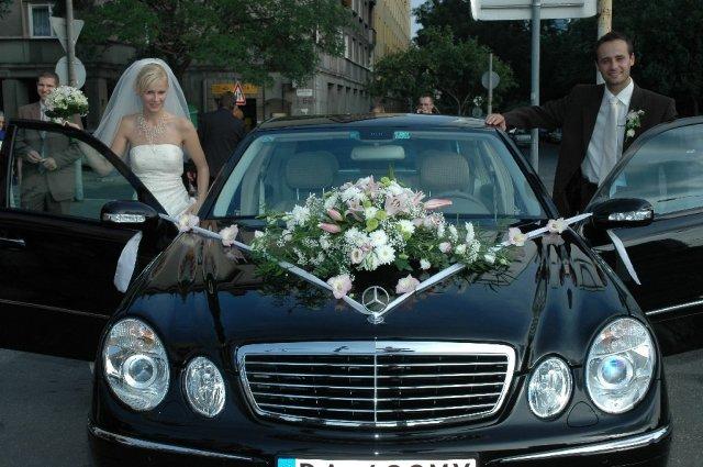 Terezka a Slavko, 6.10.2007 - mozno takato bude vyzdoba auticka:)