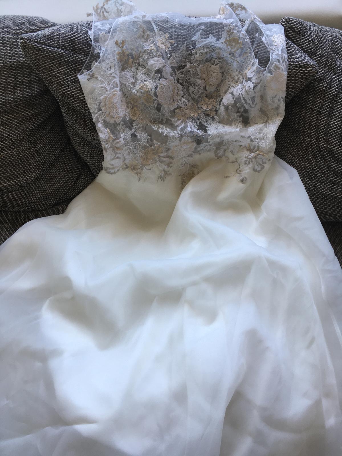 Svatebni saty s bohatou sukni - Obrázek č. 1