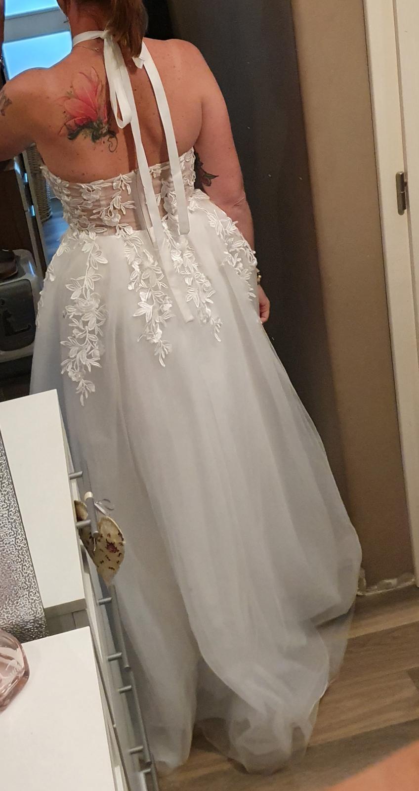 Svatební šaty vel . 38 - Obrázek č. 1