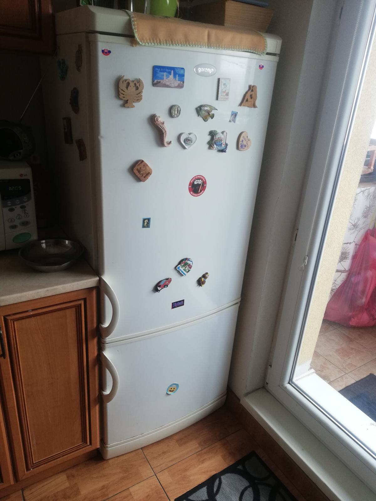 Chladnička s mrazničkou - Obrázok č. 1