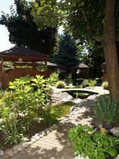 zahrada..ve které jsou altány..v létě ideální...