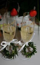 nase svatebni sklenicky :o)