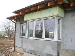 1.12.2009 prišli okná! (ešte s ochrannou fóliou)