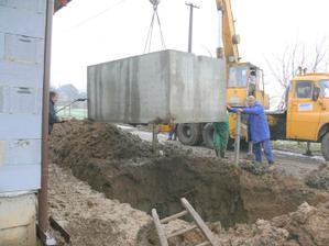 31.12.2009 osádzanie žumpy