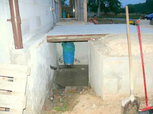 pivnička pod terasou
