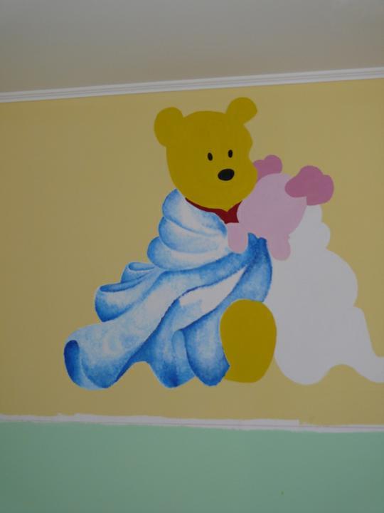 a maľujeme Barborkinu izbu - a večer sme skončili v tomto štádiu a dnes pokračuje:-)