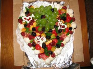 tak tenhle úžasný dort mi přivezla kolegyně z práce Káťa