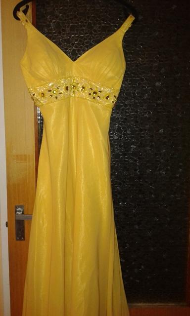Žlté spoločenské šaty - Obrázok č. 3
