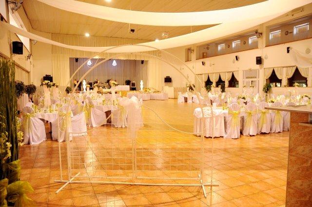 Marcelka {{_AND_}} Roland - naša svadobná sála