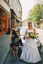 Nevěsta je připravena... i svědkyně
