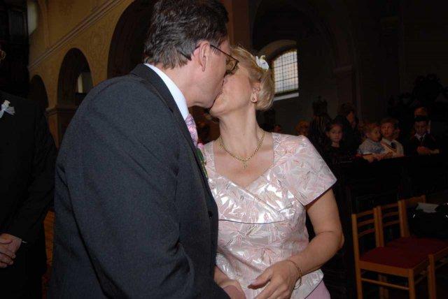 Beatrix{{_AND_}}Rudolf - PRVÝ novomanželský bozk
