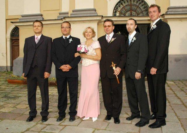 Beatrix{{_AND_}}Rudolf - nevesta a päť bodyguardov