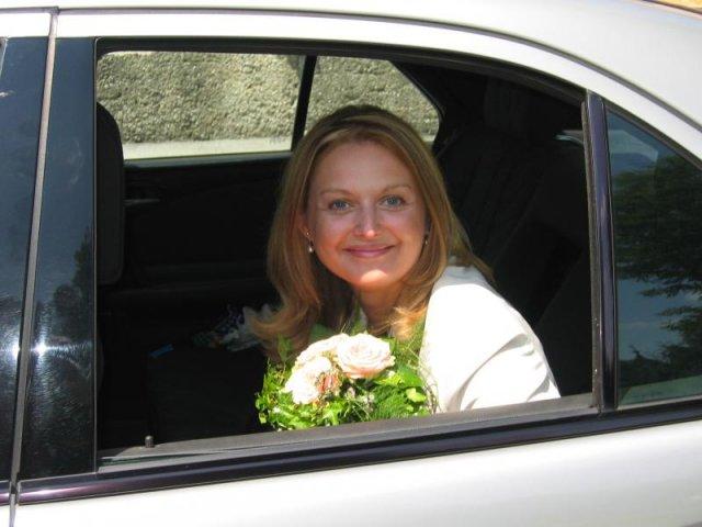 Martha{{_AND_}}Gerhard - odvoz na radnicu -civilny sobas
