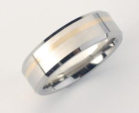 Zacali sme pripravu - zenichov prstienok - titan+zlato