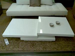 takýto konferenčný stolík do obývačky