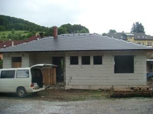 tak už máme skoro střechu