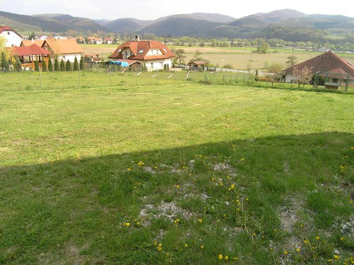 Pozemok - pokosené