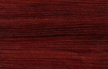 červené drevo