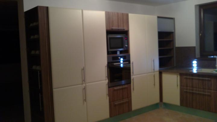 Kuchyňa - ľavá strana