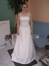 první šaty