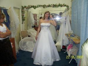 tak toto sú výťazky...to sú moje svadobné šaty!!!