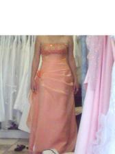 tak tieto šaty som si vybrala po polnoci.....