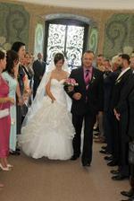 nevěsta příchází