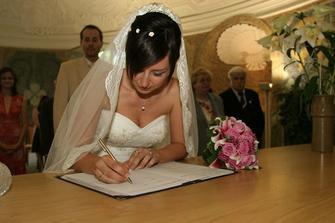 ještě podpis, příjmení zůstává :o))