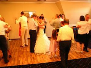 tancovalo se hodně i přes šílené horko .o)))