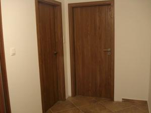 Naživo farba dverí je krajšia :)