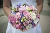 Svatební kytice naší nevěsty na zámečku v Sokolnicích.