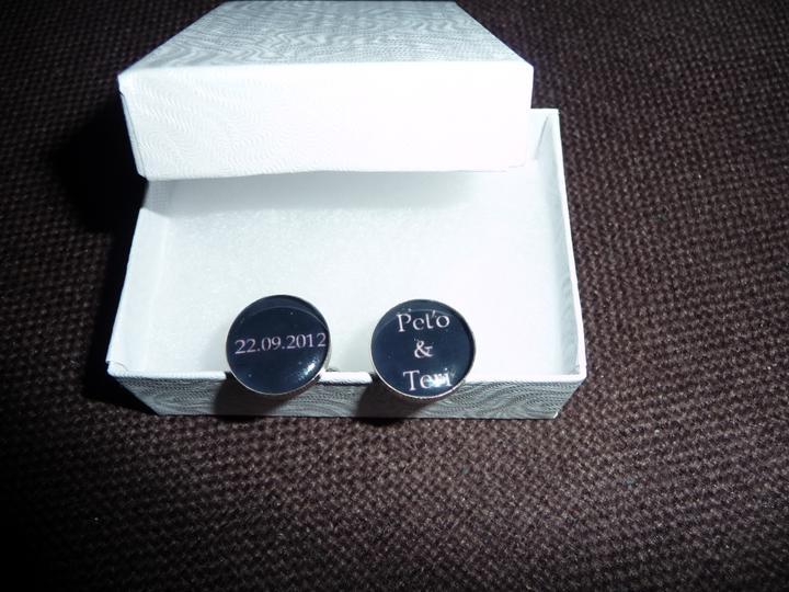 Čo už máme :-) - manžetové gombíky pre ženícha