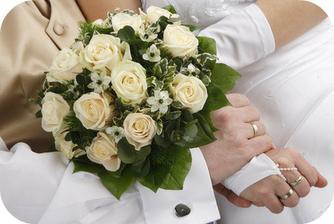 Svatební kytice?Jedině růže :)