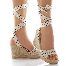 Krasne ... jen mit na to ty nohy ;)