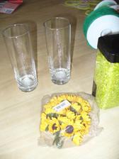 tak puvodne z krasnych ctvercovych vaz, zbyly klasicke sklenicky