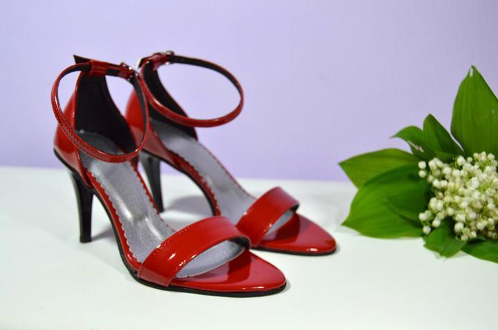 Vaše návrhy - naše realizace ...děkujeme obuv K-styl - Červené svatební  sandálky - EKK lakovaná červená č. 22 -  f78d58a3d9