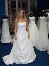 Zkouška šatů-tak v těhle se budu vdávat