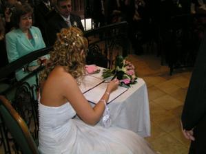 Při podpisu nového přijmení mě přestala psát propiska - asi nějaký znamení
