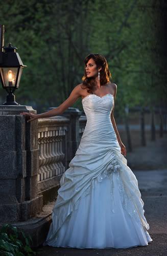 Máte tyto svatební šaty z webu Svět krásných šatů ... b10bc83e91
