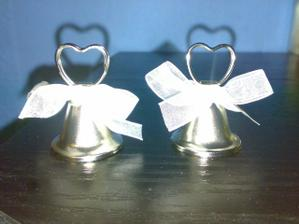 ...zvonceky ako drziaky na moju a Matkovu menovku...www.elian.sk