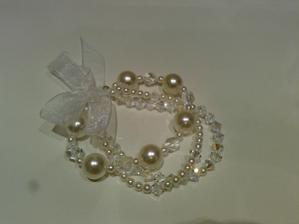 ...svadobny naramok-sklenne perly a Swarovski - material mi zaplatil moj brat dvojicka Mato - DIK HONZO.!.!.!...vlastna vyroba...