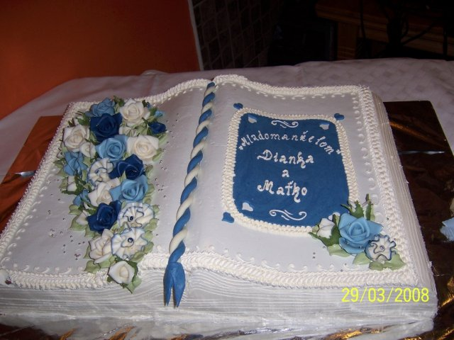 Dianka{{_AND_}}Matko - ...torta od Matkovej rodiny...kraaaaaaaasne zladene do modra...