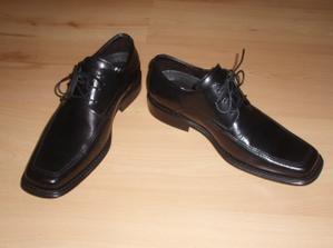 koupeny boty ženichovi