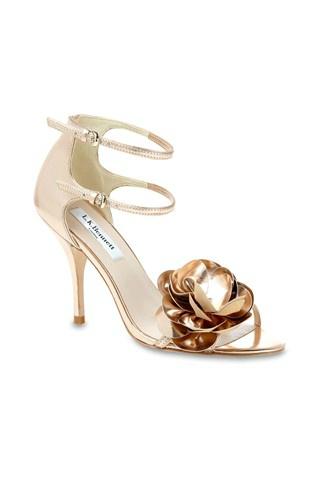 Služba VIP - topánky ako šperk - L.K.Benett