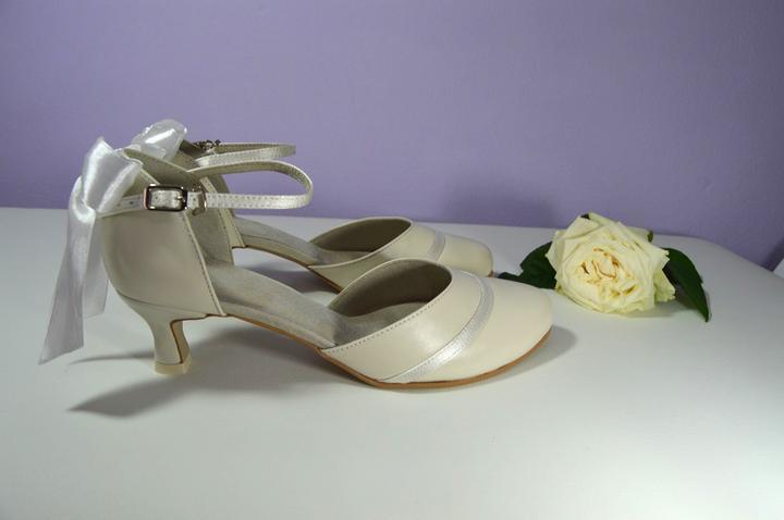 5ad2352566 Vaše návrhy naša realizácia - T-styl ...ďakujeme - Svadobné topánky ...