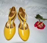 Žlté svadobné topánky v K-style, model prevzatý z tanečného strihu Tina. Eko koža žltá úprava podľa želania klientky