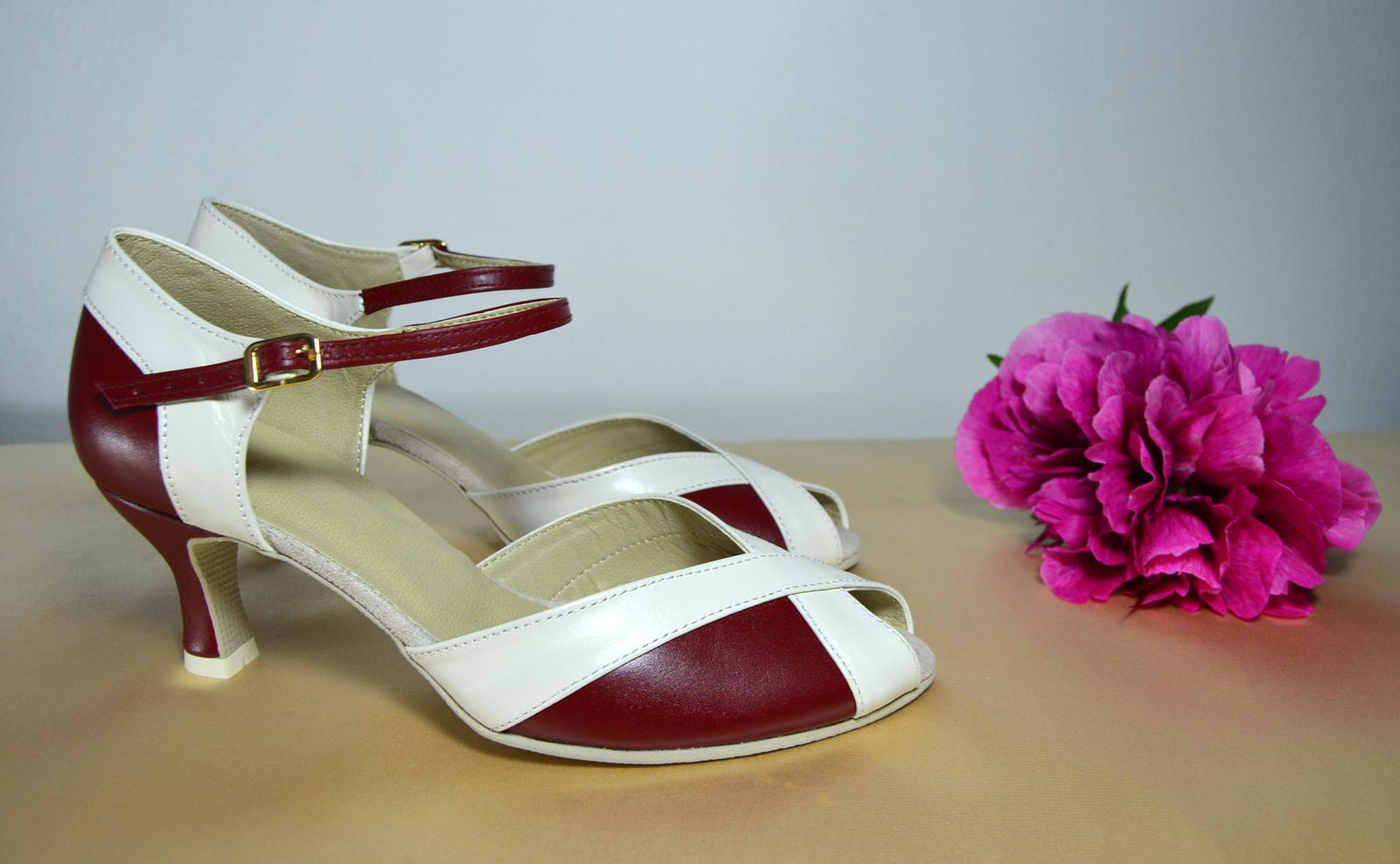 Svadobné topánky s úpravou na želanie - inšpirácie bordó, hnědá, čokoládová - Pohodlná Svadobná obuv tanečný štýl (+ úprava na bežné nosenie) v kombinácii pravej kože bordó + ivory - úpravy podľa želania klientky,