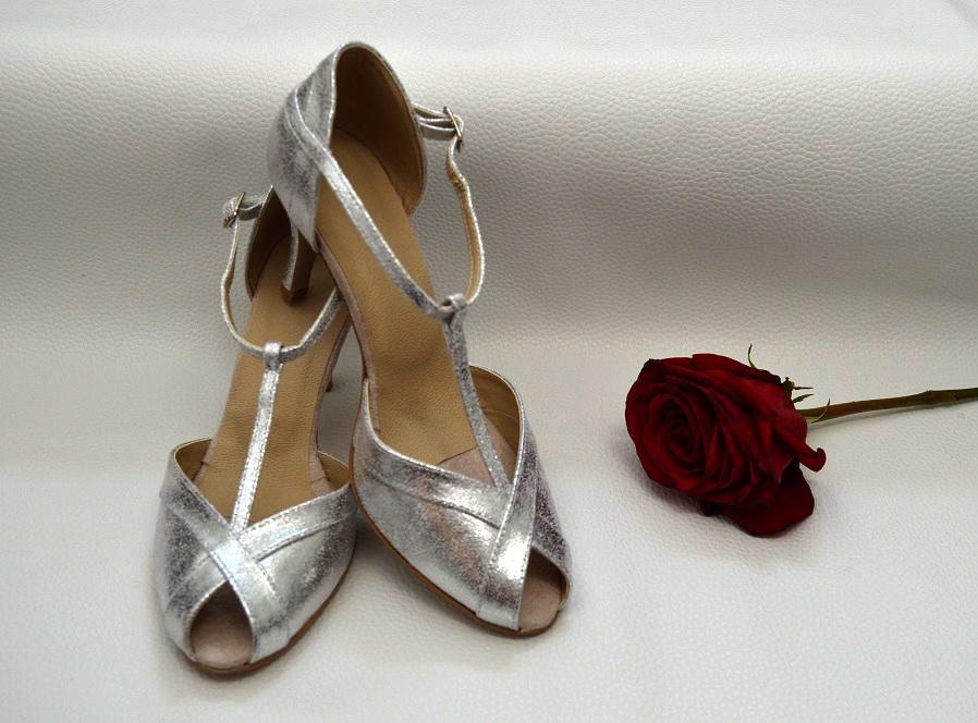 Svadobné topánky navrhni si ich - inšpirácie strieborná - Strieborné svadobné topánky model Holly, exkluzívna látka strieborná úpravy podľa želania klientky